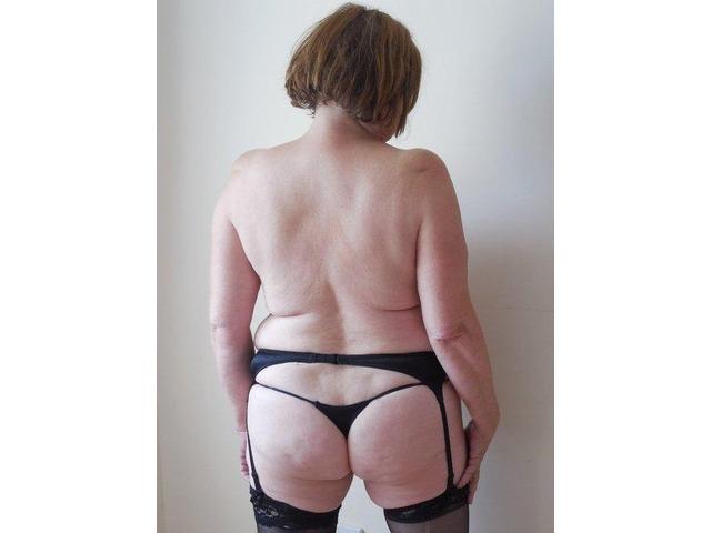 Oudere dame op zoek naar jongere seks god! - 1
