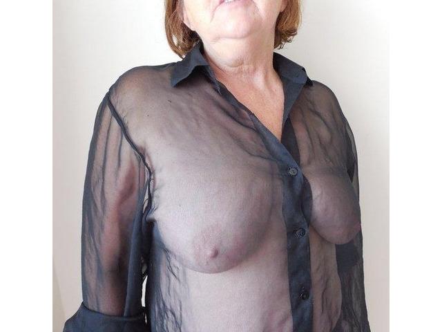 Oudere dame op zoek naar jongere seks god! - 2
